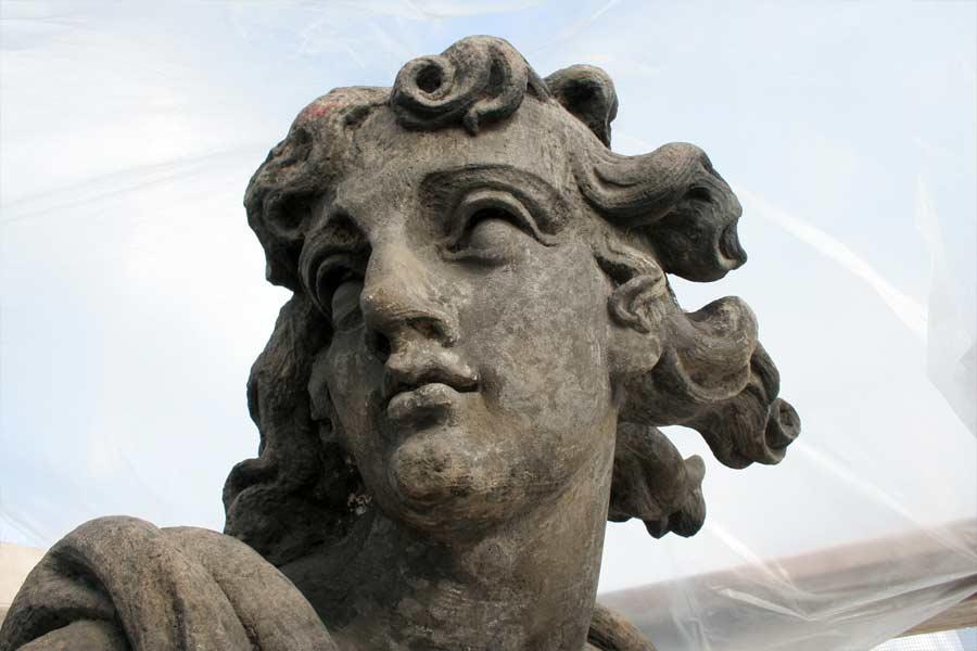 Detailansichten  Skulpturenkopf - Neues Palais Potsdam Sanssouci