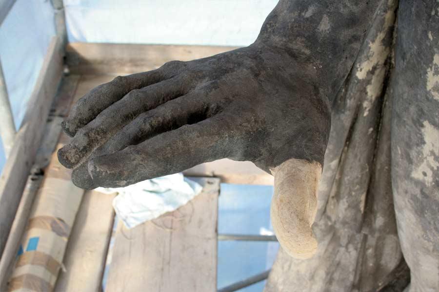 Detailansichten Skulpturenhand - Neues Palais Potsdam Sanssouci