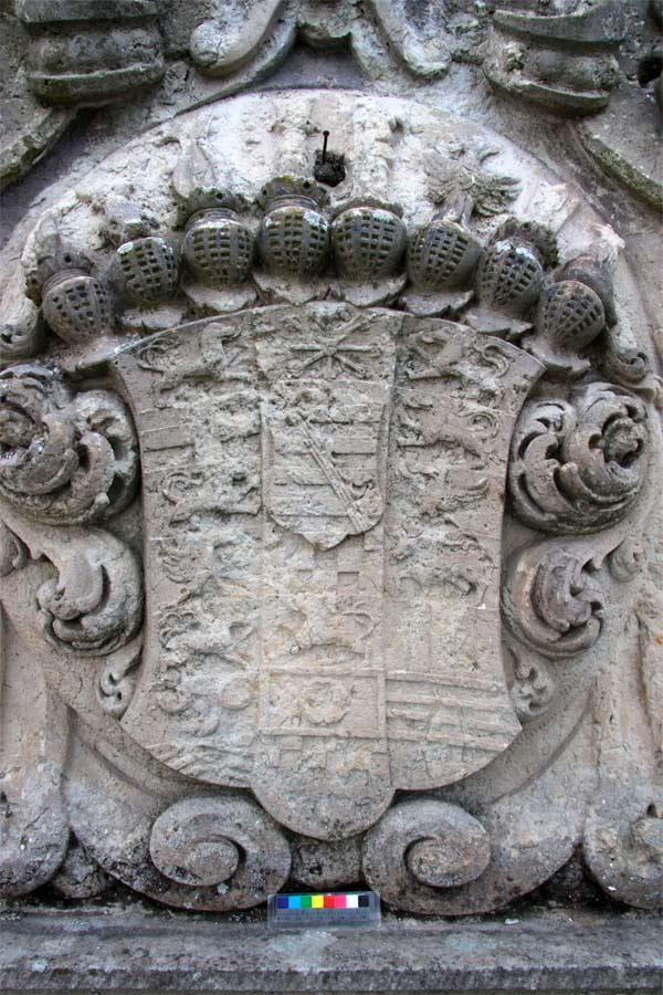 Rekonstruktion der barocken Wappenfarbigkeit - Schloss Doberlug - Vorzustand
