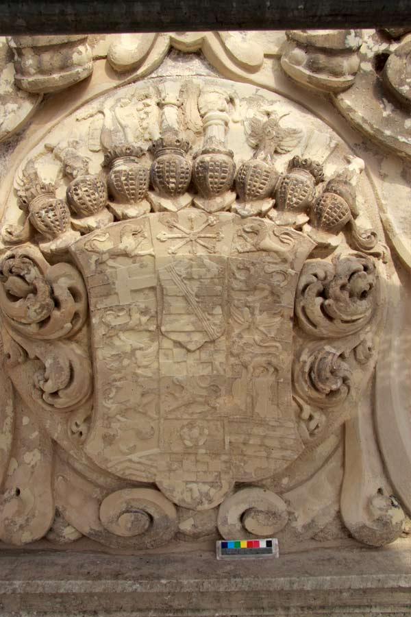 Rekonstruktion der barocken Wappenfarbigkeit - Schloss Doberlug - Natursteinrestaurierung