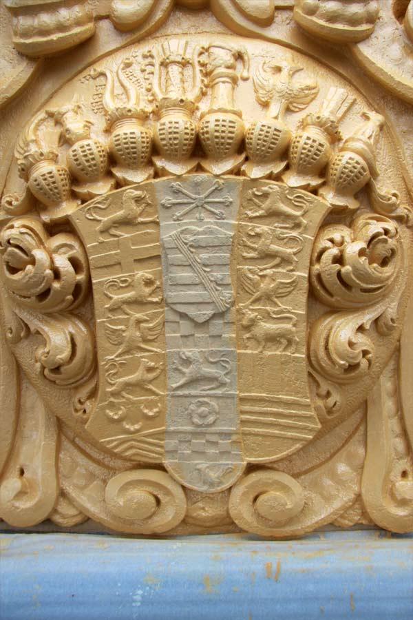 Rekonstruktion der barocken Wappenfarbigkeit - Schloss Doberlug - Grundierung
