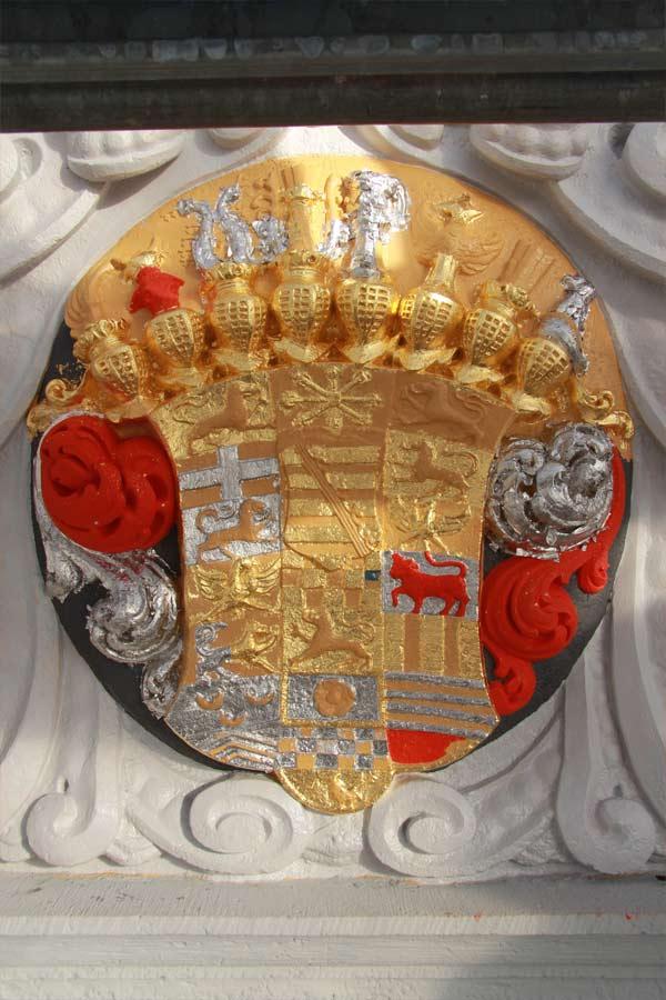 Rekonstruktion der barocken Wappenfarbigkeit - Schloss Doberlug - Neufassung