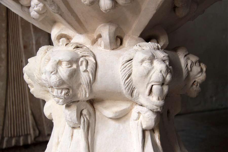 Restaurierung der Stuckausstattung - Dorfkirche Flechtingen - Detail Taufstein