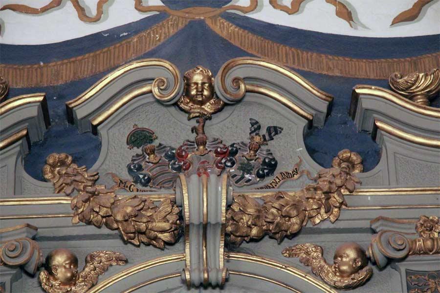 Restaurierung der Epitaphbekrönung - Dorfkirche Groß Glienicke
