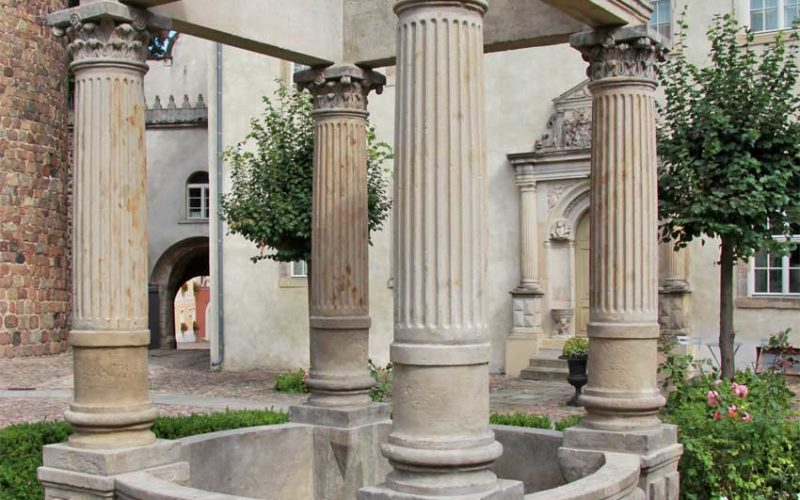 Restaurierung des Renaissancebrunnens - Schloss Wiesenburg