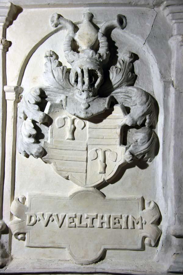 Restaurierung der Stuckausstattung - Dorfkirche Flechtingen - Wappen an der Patronatsloge