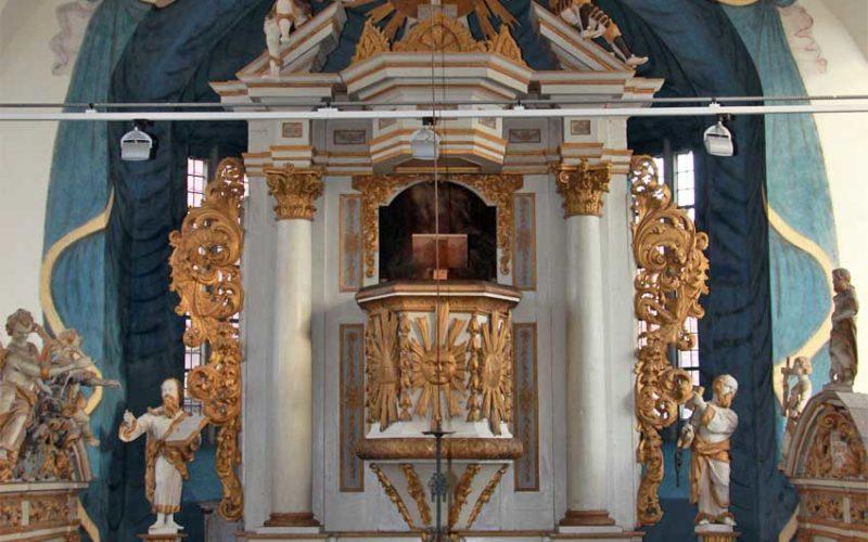 Ansicht des Kanzelaltars nach der Restaurierung - Dorfkirche Altenklitsche