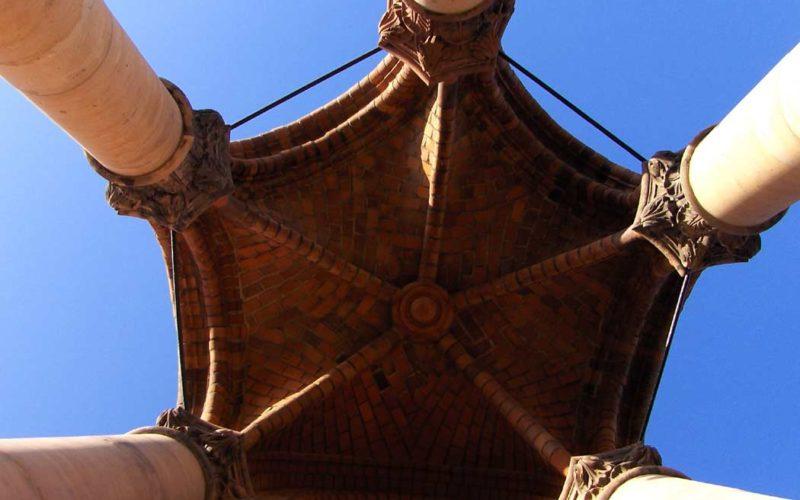 Blick ins Gewölbe eines der acht Turmerker - Rotes Rathaus Berlin