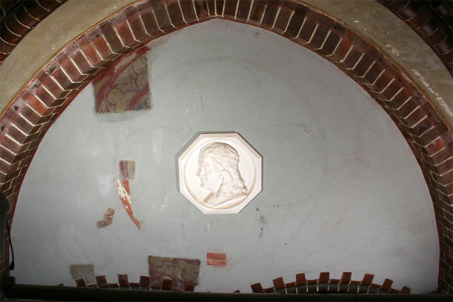 Zustand zu Beginn der Restaurierungsarbeiten - Erlöserkirche Berlin Rummelsburg