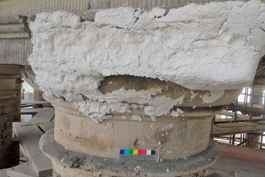 Detail Entsalzungskompresse - Monopteros auf dem Ruinenberg in Sanssouci