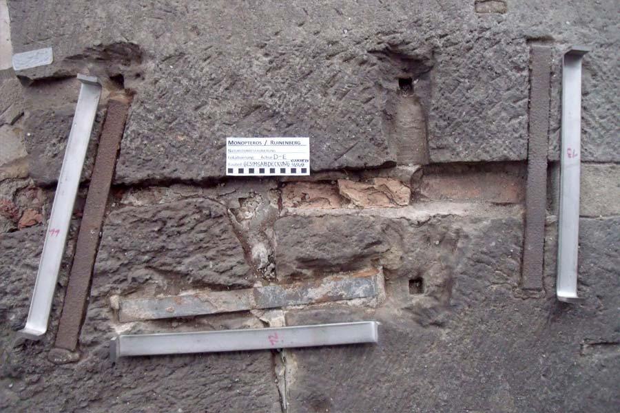 Detail Austausch von Klammern - Monopteros auf dem Ruinenberg in Sanssouci