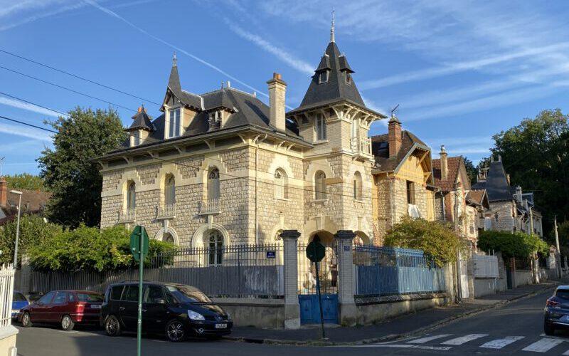 Fassadenansicht der Villa, Zustand während der Restaurierung